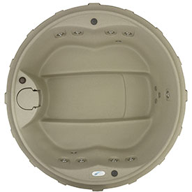 Round hot tub from Dream Maker Spas