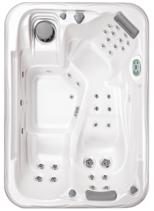 South Seas Deluxe 532L hot tub with 3 seats, 7 foot size